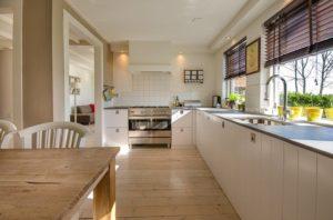 drewniane meble kuchenne na wymiar