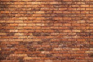 ściana ze starej cegły